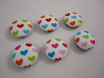 six cover button magnets with hearts