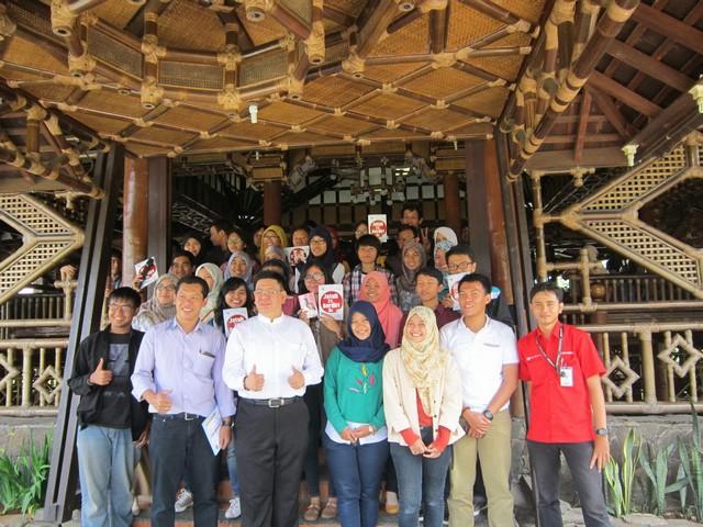 "Kisah Sukses Pengusaha Muda Johanes Ariffin Wijaya;Kisah Sukses Johanes Ariffin Wijaya dengan Kata ""BISA"";"