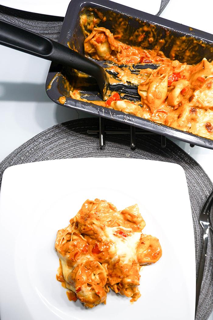 Überbackene Tortellini mit Paprikasauce