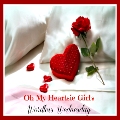 http://apeekintomyparadise.com/2015/04/oh-my-heartsie-girl-wordless-wednesday-link-party-anniversary-giveaway.html