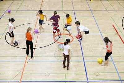 scuola-palestra-bambini-ragazzi-gioco-sport-pavimento sportivo