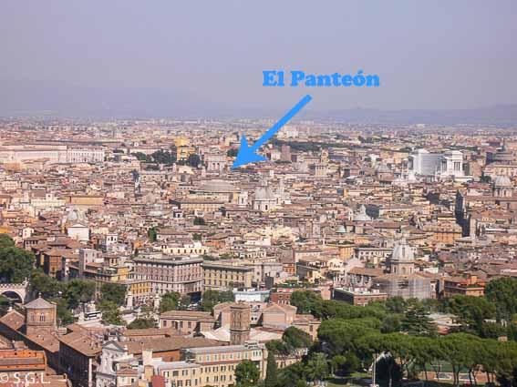 Vista del Panteon desde el Vaticano. Roma