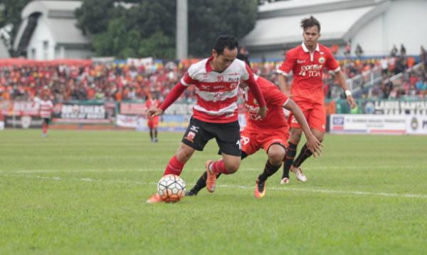 Kalah Dari Madura United, Pelatih Persija Beralasan Karena Naik Kereta Ke Cilacap, Lelah...