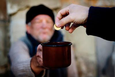Orang kaya bisa menolong orang miskin - catatan adi