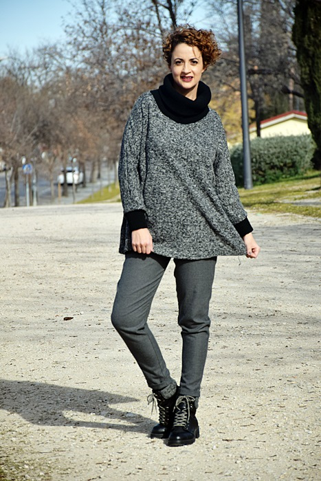 Outfit-Sudadera-Gris-shein-7