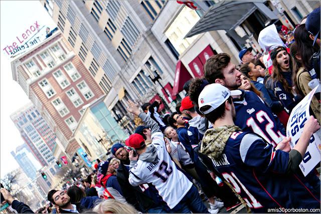 Camisetas Brady durante el Desfile de los Patriots por la Celebración de la Super Bowl LIII