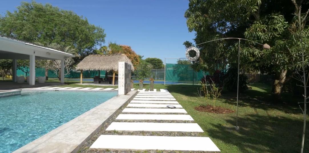 41 Interior Design Photos vs. 6460 SW 111th Dr, Pinecrest, FL Luxury Home Tour