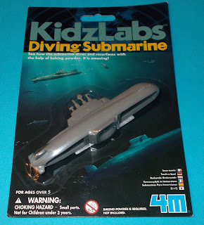4 893156 032126; 4M; Baking Powder Toy; Baking Soda Toy; Bath Toy; Carded Toy; Diving Submarine; Great Gizmos; Interactive Toys; Playwell; JE609930; Kidzlab; Novelties; Novelty Submarine; Novelty Toy; Rack Toys; Small Scale World; smallscaleworld.blogspot.com; Submarine; Toysmith; Water Toy; Waterstone's;