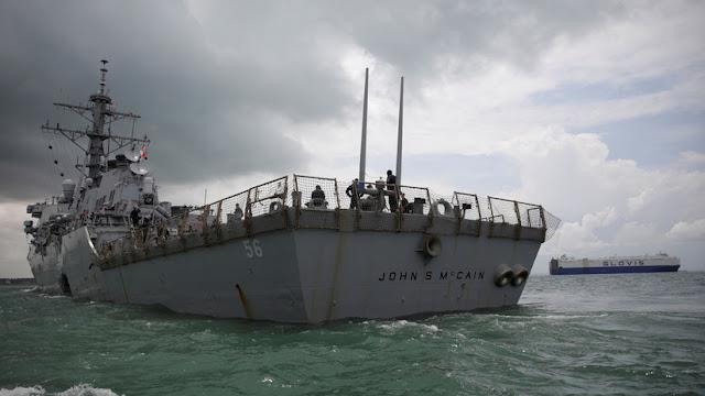 Confirman que la Casa Blanca pidió ocultar el barco en honor a John McCain durante la visita de Trump a Japón