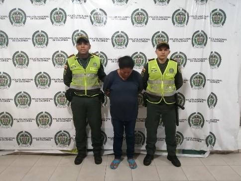 Por trafico de narcóticos, juez ordena capturar a una mujer