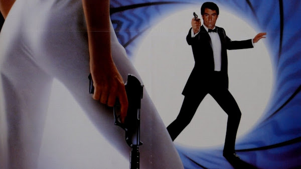 Lukes English Podcast: James Bond - Official Website - BenjaminMadeira