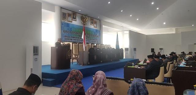 Pjs Bupati Pesisir Barat Sampaikan Jawaban Pemerintah Atas Pandangan Umum Fraksi-Fraksi Terhadap Nota Keuangan RAPBD Tahun Anggaran 2021