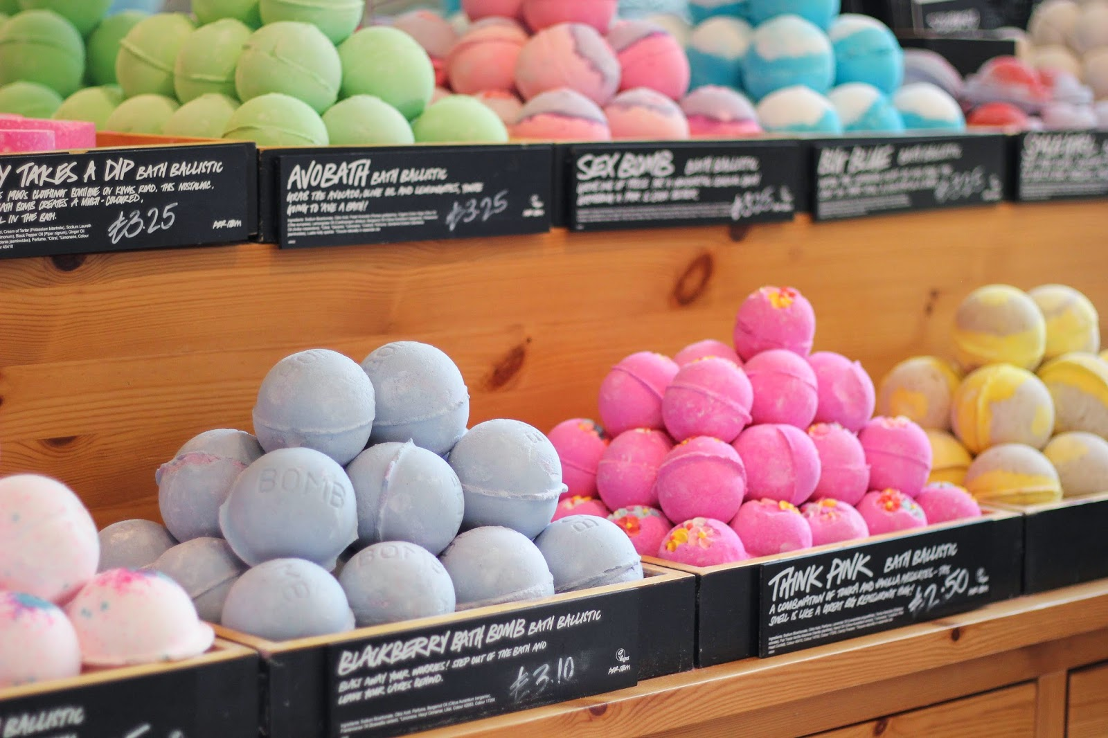 beautiful bath bombs