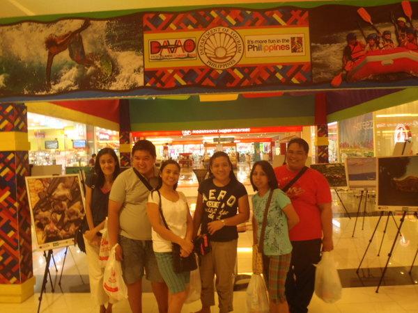 Enjoying Davao City Nightlife Abreeza Ayalalife Story