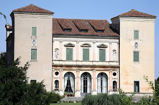 Andrea Palladio worked as a stonemason on the Villa Trissoni, which can be found at Cricoli, near Vicenza