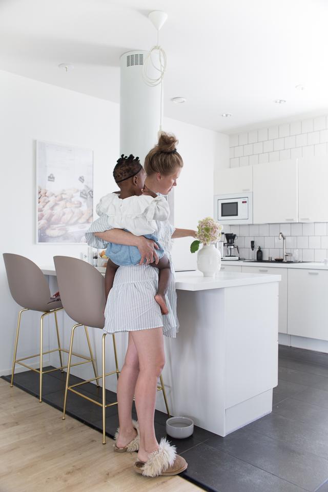 Villa H, raha, äitiys, yrittäjyys, yrittäjä-äiti, adoptio