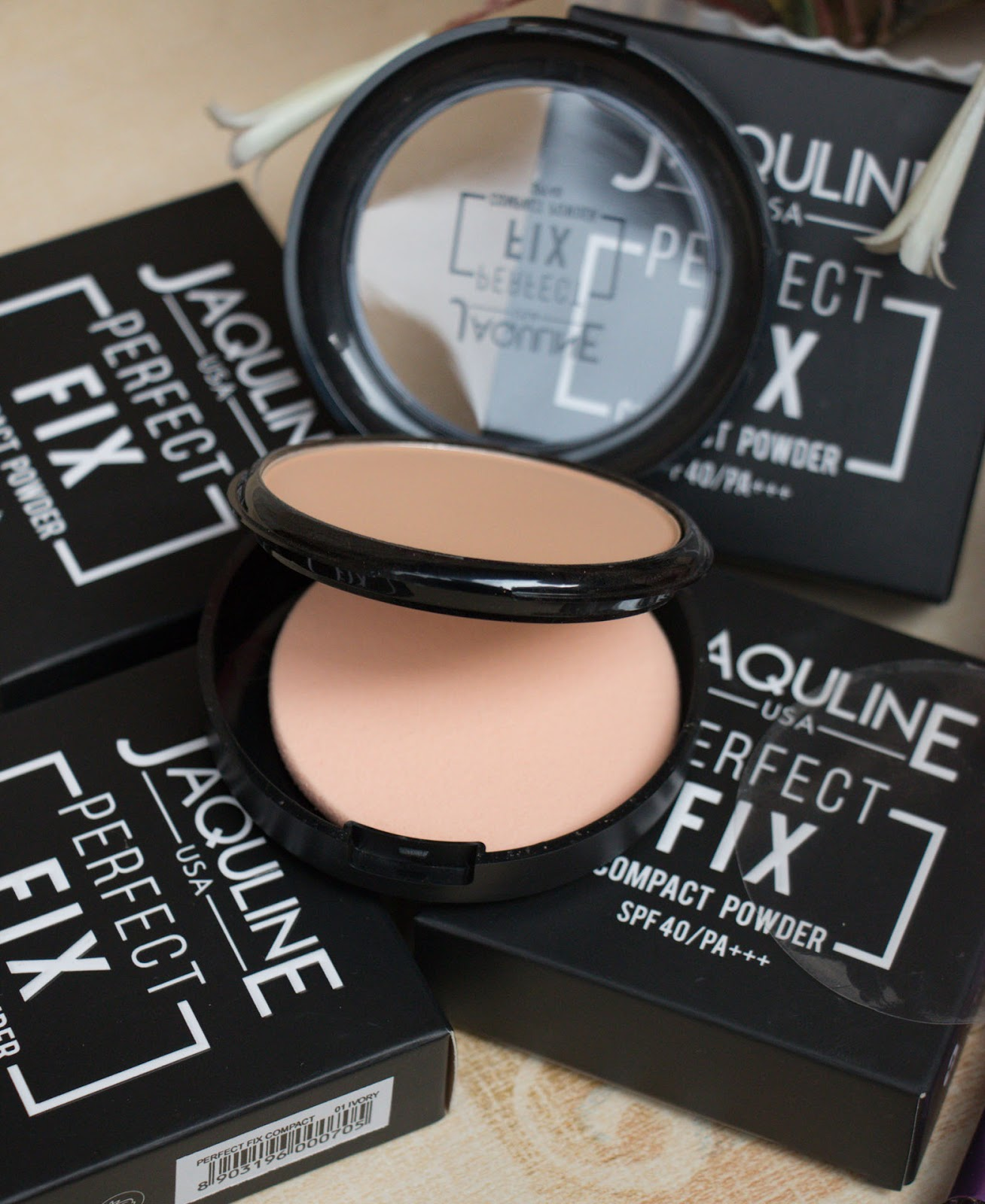 Jaquline USA Compact Powder Puff