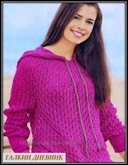 ajurnii pulover s kapyushonom