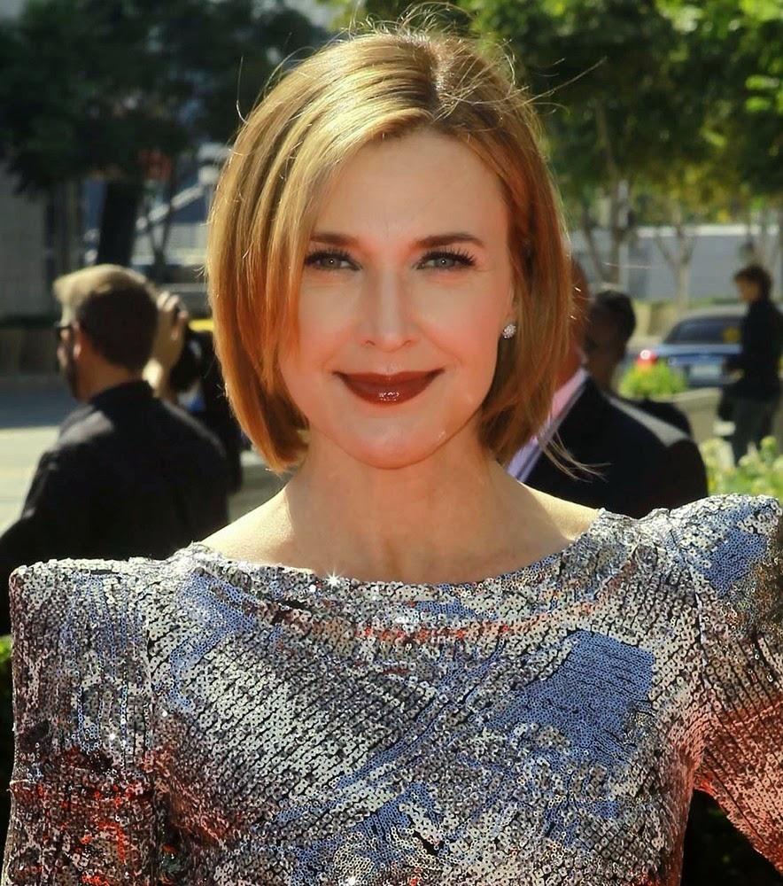 Hollywood Actress Wallpaper: Brenda Strong HD Wallpapers