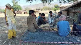 महात्मा गांधी ग्राम सेवा केंद्र ग्राम पंचायत कुआं द्वारा आयुष्मान कार्ड निशुल्क बनाये जा रहे