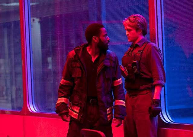 John David Washington y Robert Pattinson. Imagen de Warner Bros.