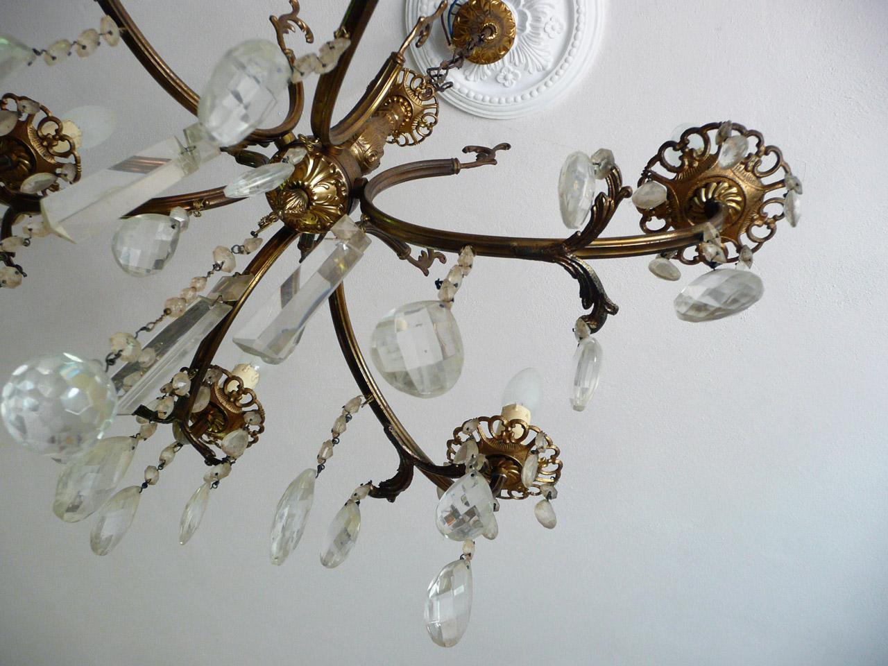 Sogni di cristallo offre un'ampia scelta di lampadari di murano classici, moderni e di design. Rinnovare Un Lampadario Vintage A Gocce