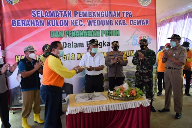 Kapolres Demak Hadiri Selamatan Pembangunan TPA Berahan Kulon