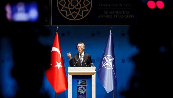 La OTAN reafirma membresía de Turquía tras tentativa de golpe