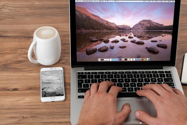 Fungsi touchpad sebagai alat pada laptop appel