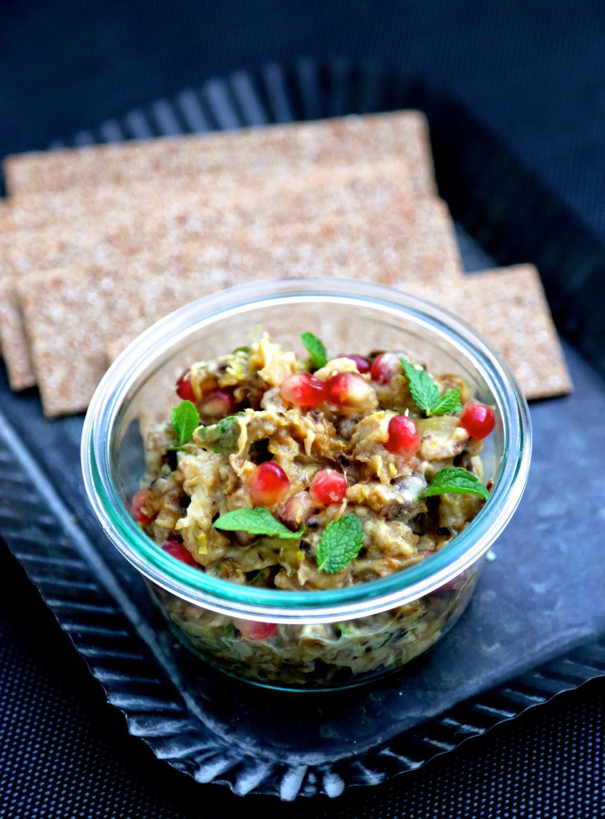 apéritif , aubergines grillées , caviar aubergines , toasts , menthe , coriande , cuisine méditérranéenne