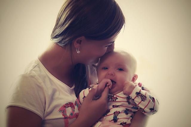 Il bebé: una piccola sanguisuga che stimola l'aggressività materna