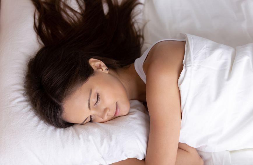 spavanje-san-jastuk
