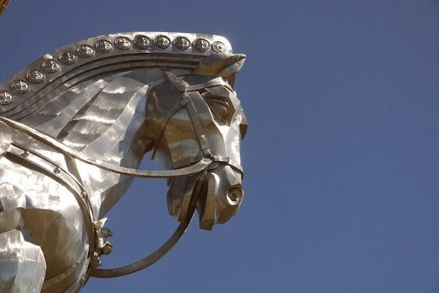 Enorme estatua Genghis Khan Mongolia