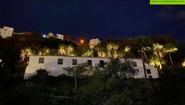 El ayuntamiento capitalino pone en marcha la iluminación del palmeral de la Quinta Verde