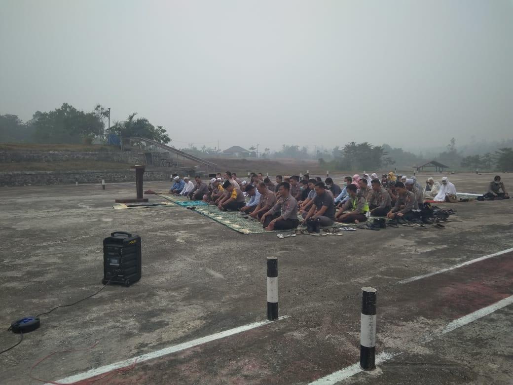Polres Gumas Melangsungkan Doa Bersama Minta Hujan Turun