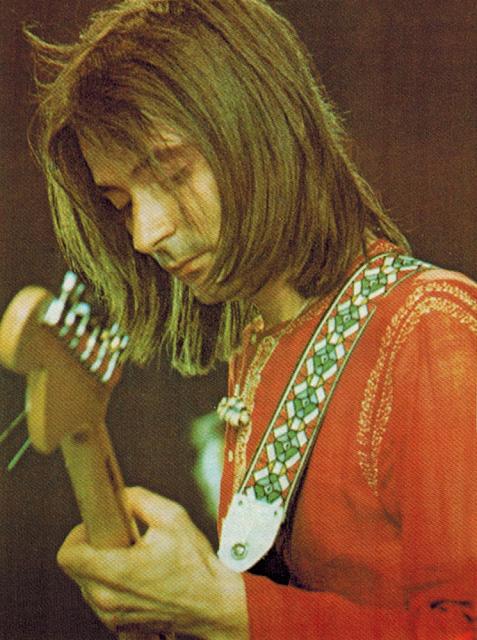 GUALBERTO GARCÍA 1975