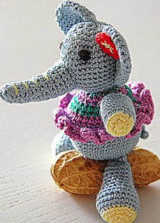 http://sintonnison-crafts.blogspot.com.es/2013/07/tutorial-elefante-de-amigurumi.html