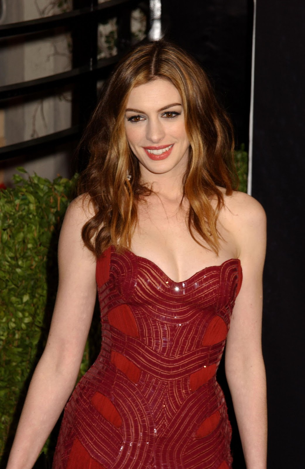 Crush Of The Day..!: The Flamboyantly Sexy Anne Hathaway