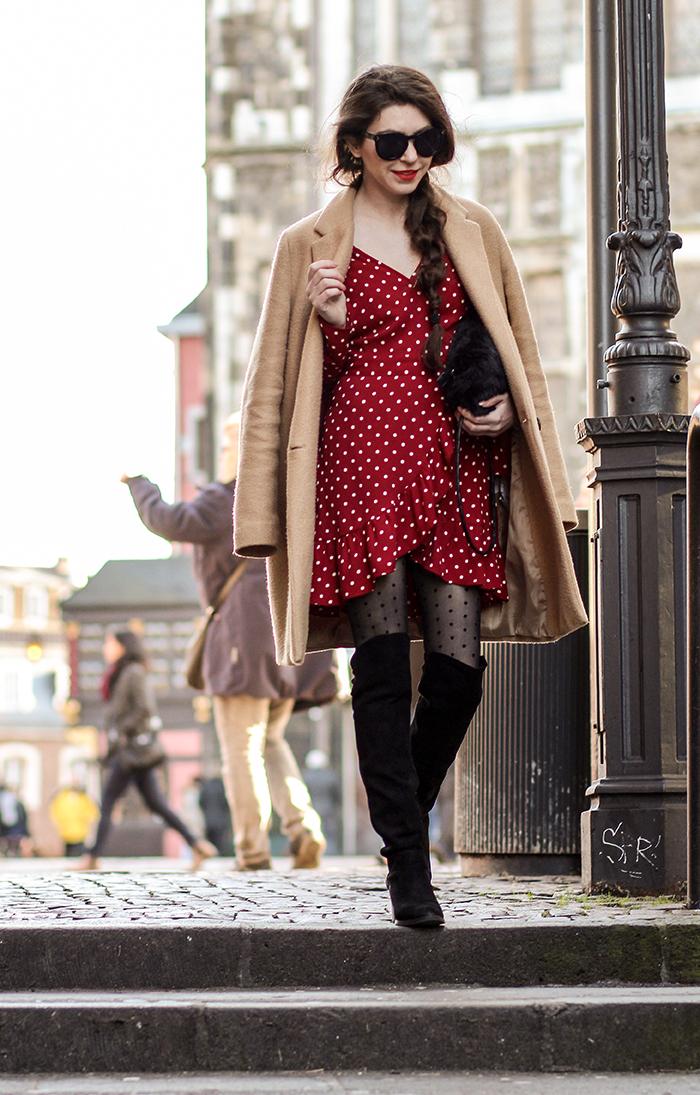 zaracoat, camelcoat, camel, reddress, dots, overkneesshoes, overknee,