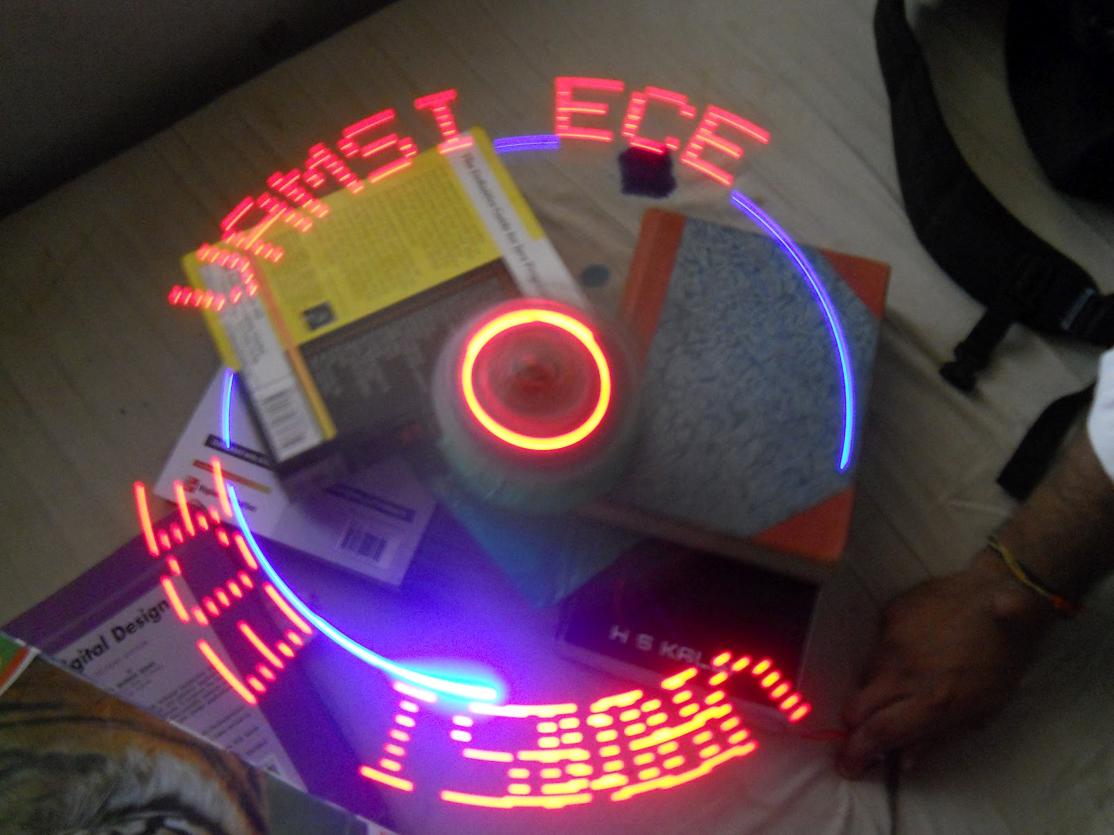 ROBO ZONE: PROPELLER(ROTATING) LED DISPLAY