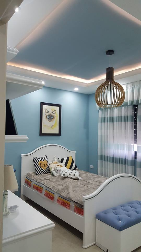 Decor Units: Charming Interior Blue Accent Apartment With Compact Layouts