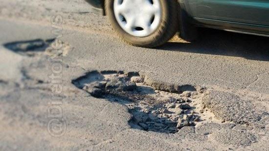 acidente buraco via publica mero dissabor