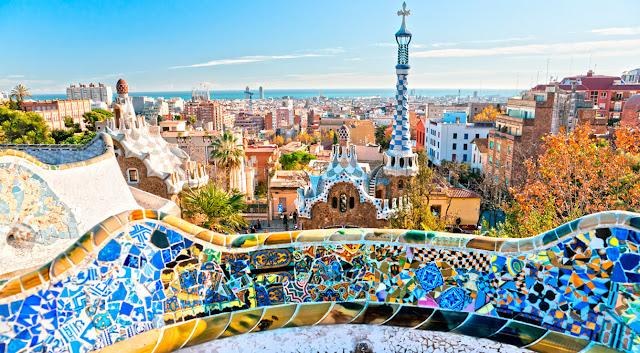Vista di Barcellona dal parco di Gaudì. Foto: Moneyinc.com