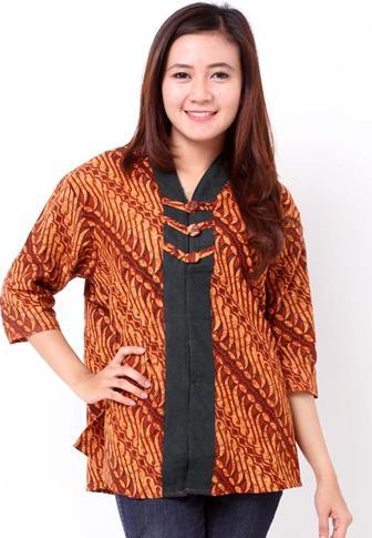 Model Blus Batik Dengan Kombinasi Kain Polos