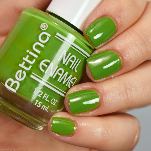 bettina-cosmetics-green-nail-polish