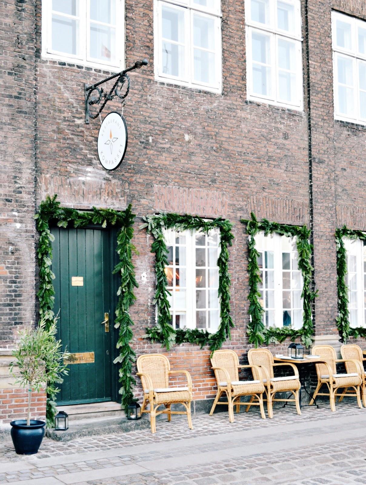 nyhavn christmas market copenhagen