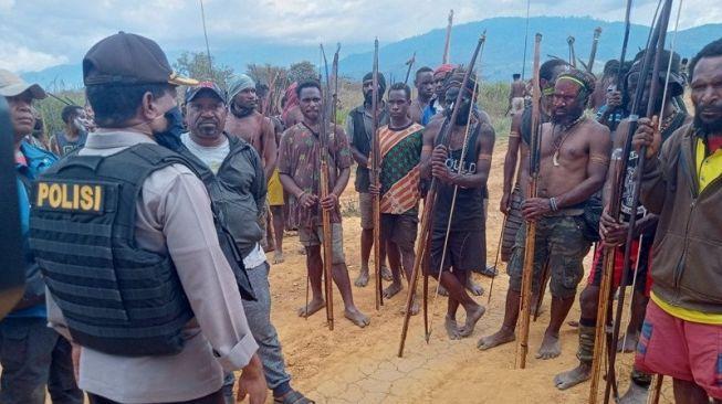 Saling Perang Selama 3 Hari, 2 Kelompok Warga di Papua Minta Izin Polisi