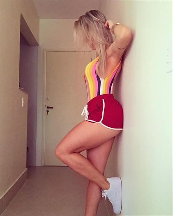 Fitness Model Rafaela Pirola Instagram photos