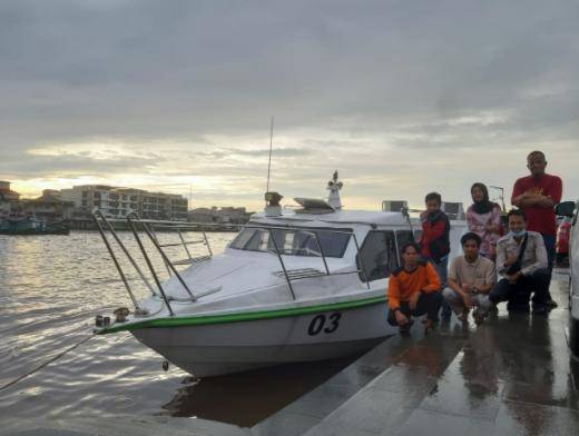 Menjelajah dan Menyusurui Sungai Kapuas Bersama Kapal ACMF Kalbar