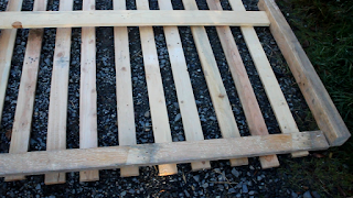 DIY Pallet Wood Driveway Gates - planning design